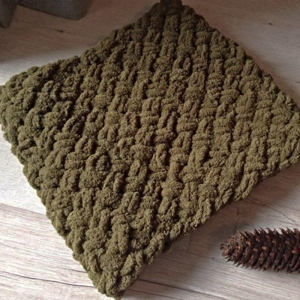 Зелен плетен шал