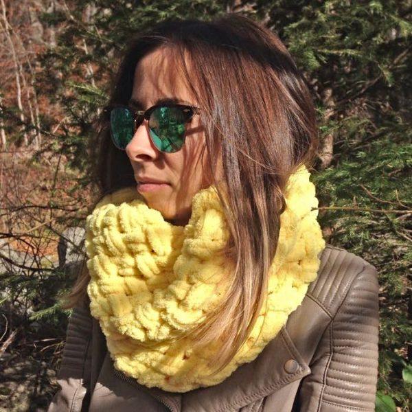 Топъл зимен жълт шал